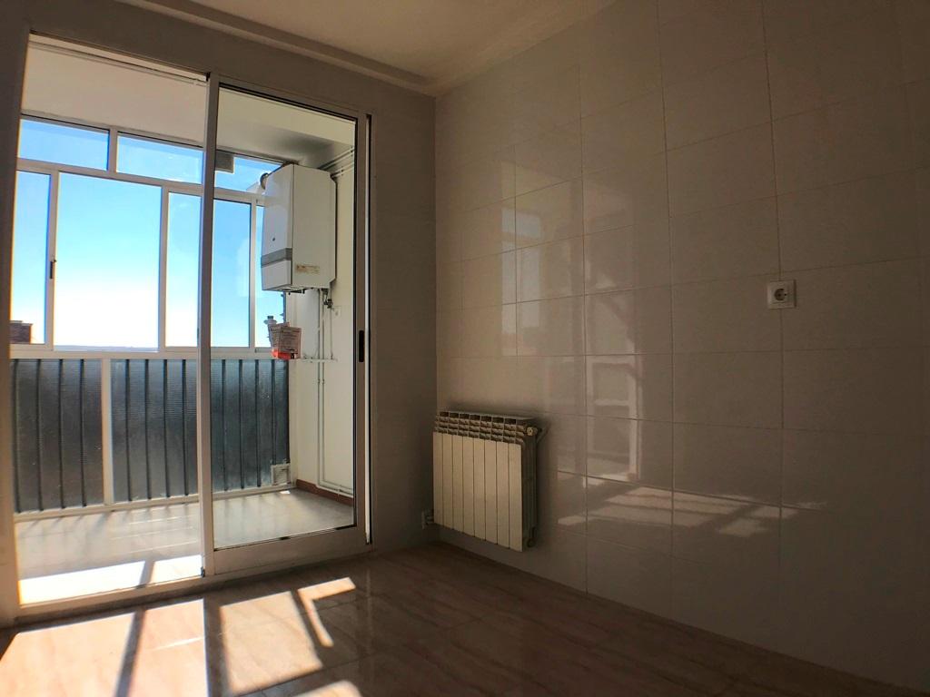 -eu-west-1.amazonaws.com/mobilia/Portals/inmoatrio/Images/5385/2484254