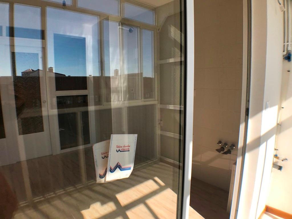 -eu-west-1.amazonaws.com/mobilia/Portals/inmoatrio/Images/5385/2484257