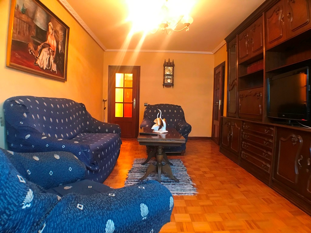 -eu-west-1.amazonaws.com/mobilia/Portals/inmoatrio/Images/5402/2488744