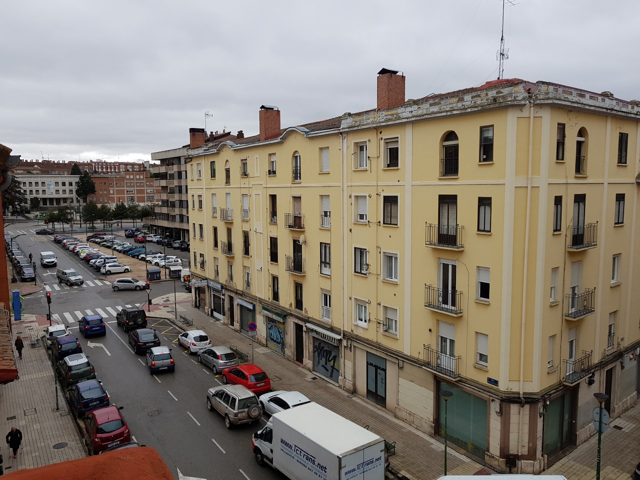 -eu-west-1.amazonaws.com/mobilia/Portals/inmoatrio/Images/5420/2500858