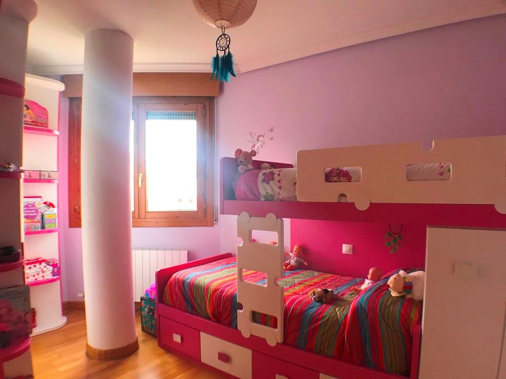 -eu-west-1.amazonaws.com/mobilia/Portals/inmoatrio/Images/5442/2528132