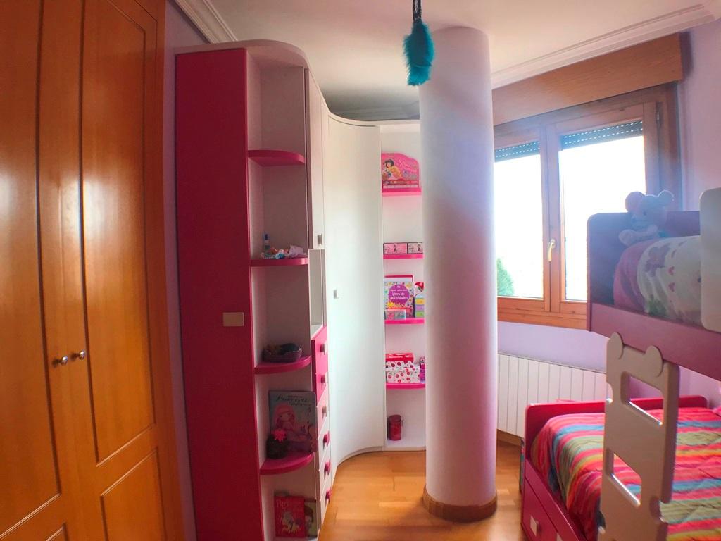 -eu-west-1.amazonaws.com/mobilia/Portals/inmoatrio/Images/5442/2528133