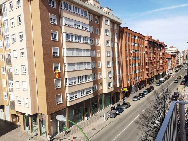 -eu-west-1.amazonaws.com/mobilia/Portals/inmoatrio/Images/5488/2570298
