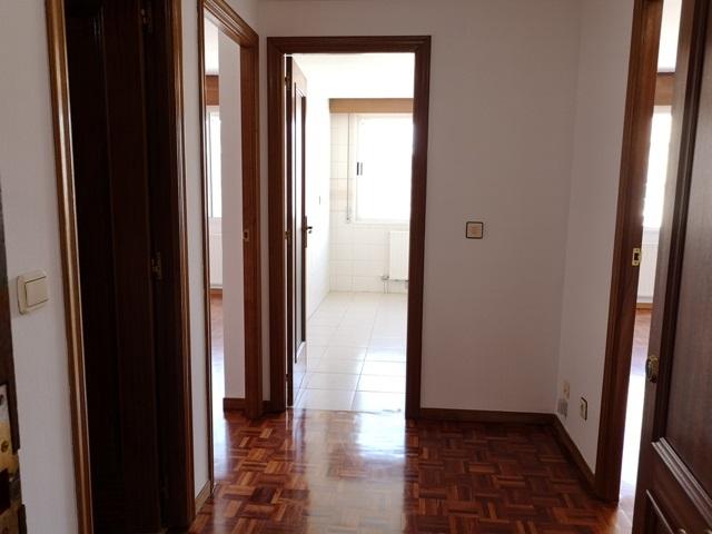 -eu-west-1.amazonaws.com/mobilia/Portals/inmoatrio/Images/5488/2570311