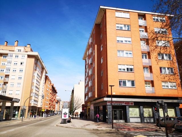 -eu-west-1.amazonaws.com/mobilia/Portals/inmoatrio/Images/5488/2570314