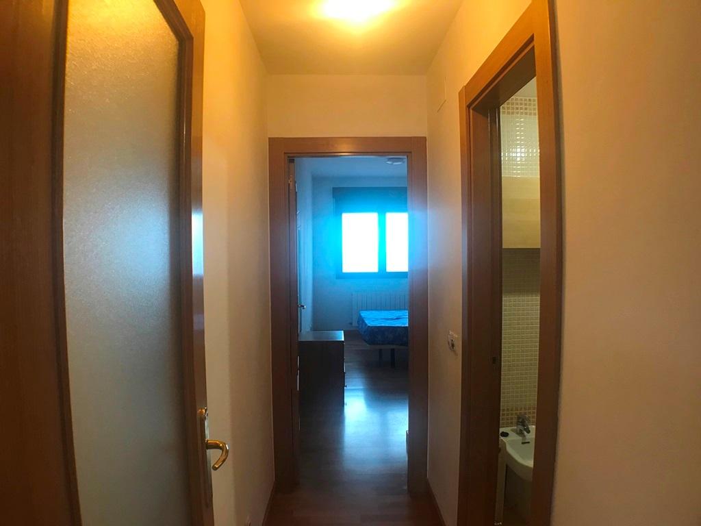 -eu-west-1.amazonaws.com/mobilia/Portals/inmoatrio/Images/5493/2574130