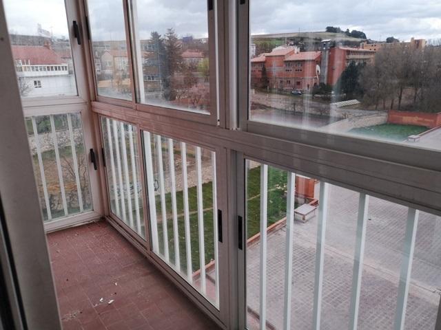 -eu-west-1.amazonaws.com/mobilia/Portals/inmoatrio/Images/5499/2574880