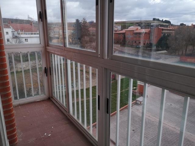 -eu-west-1.amazonaws.com/mobilia/Portals/inmoatrio/Images/5499/2574881