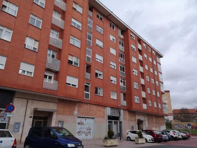 -eu-west-1.amazonaws.com/mobilia/Portals/inmoatrio/Images/5499/2574887