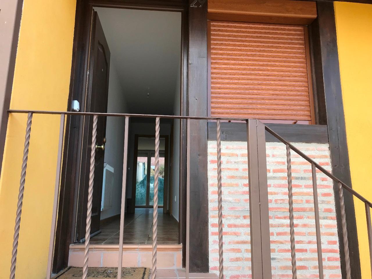 -eu-west-1.amazonaws.com/mobilia/Portals/inmoatrio/Images/5500/2575230