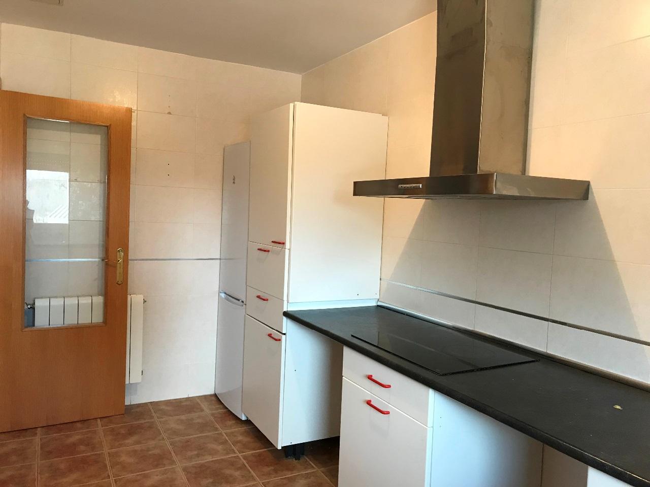 -eu-west-1.amazonaws.com/mobilia/Portals/inmoatrio/Images/5500/2575247