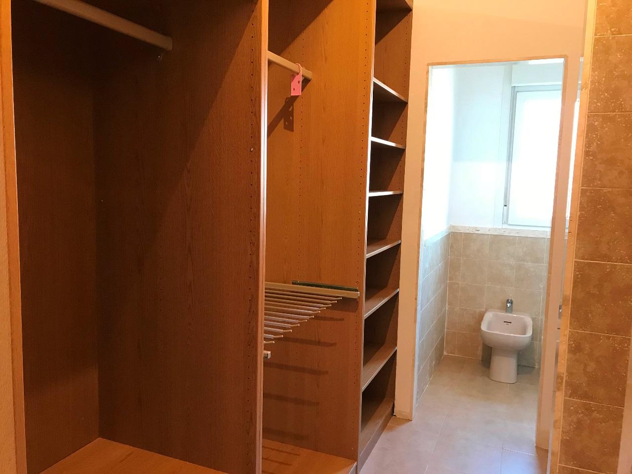 -eu-west-1.amazonaws.com/mobilia/Portals/inmoatrio/Images/5500/2575410