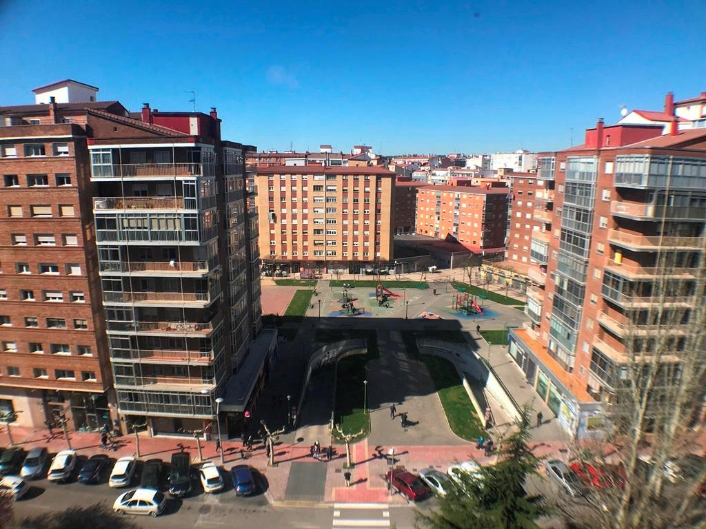 -eu-west-1.amazonaws.com/mobilia/Portals/inmoatrio/Images/5508/2580630
