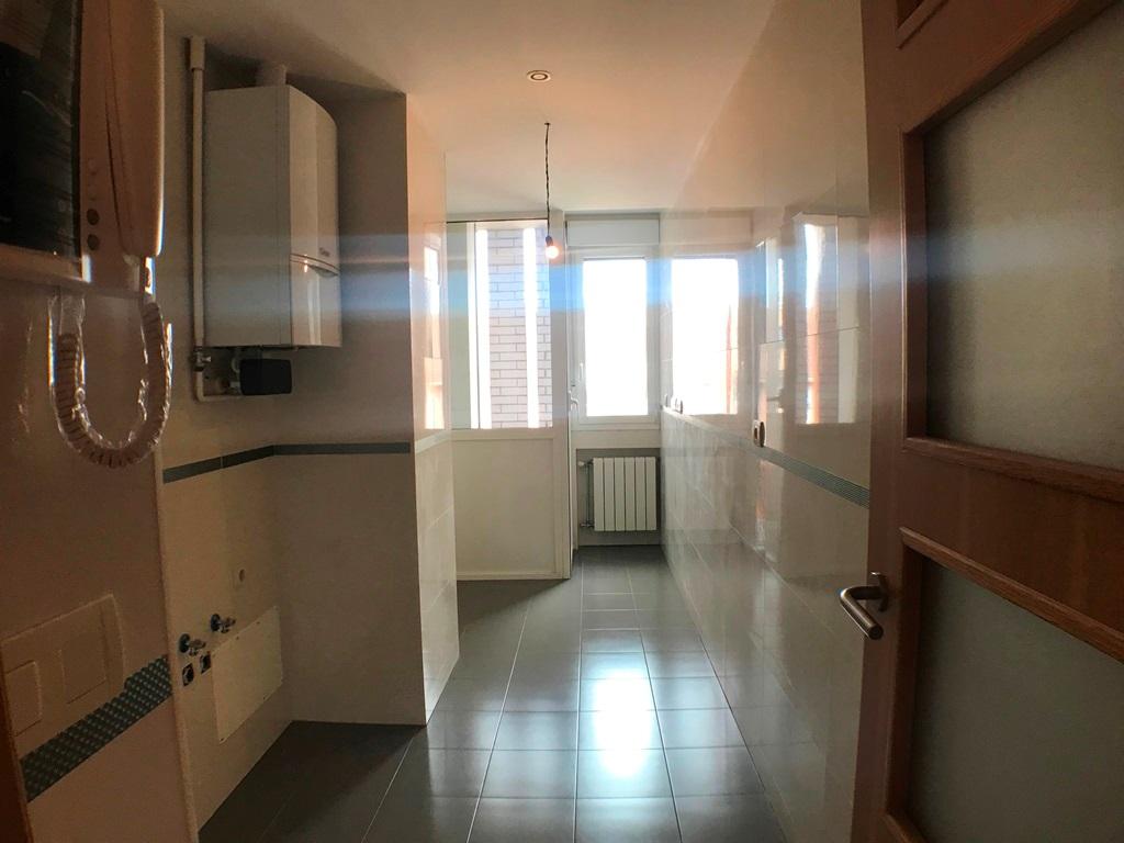 -eu-west-1.amazonaws.com/mobilia/Portals/inmoatrio/Images/5636/2677706