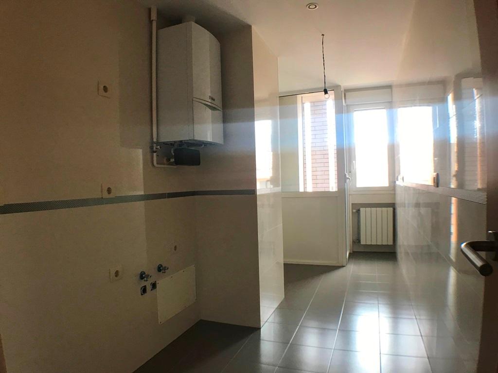 -eu-west-1.amazonaws.com/mobilia/Portals/inmoatrio/Images/5636/2677707
