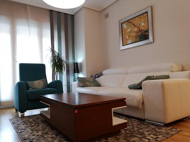 -eu-west-1.amazonaws.com/mobilia/Portals/inmoatrio/Images/5790/3097621