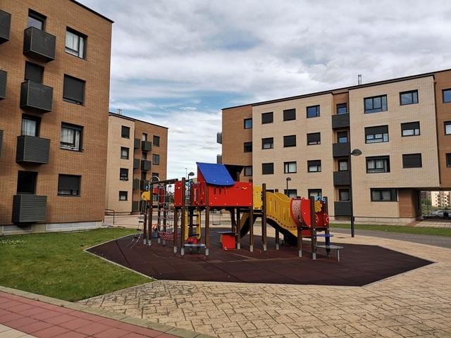 -eu-west-1.amazonaws.com/mobilia/Portals/inmoatrio/Images/5824/3079986