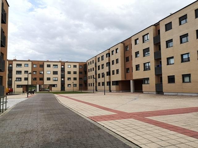 -eu-west-1.amazonaws.com/mobilia/Portals/inmoatrio/Images/5824/3079995