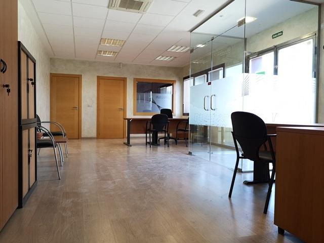 -eu-west-1.amazonaws.com/mobilia/Portals/inmoatrio/Images/5892/3096703