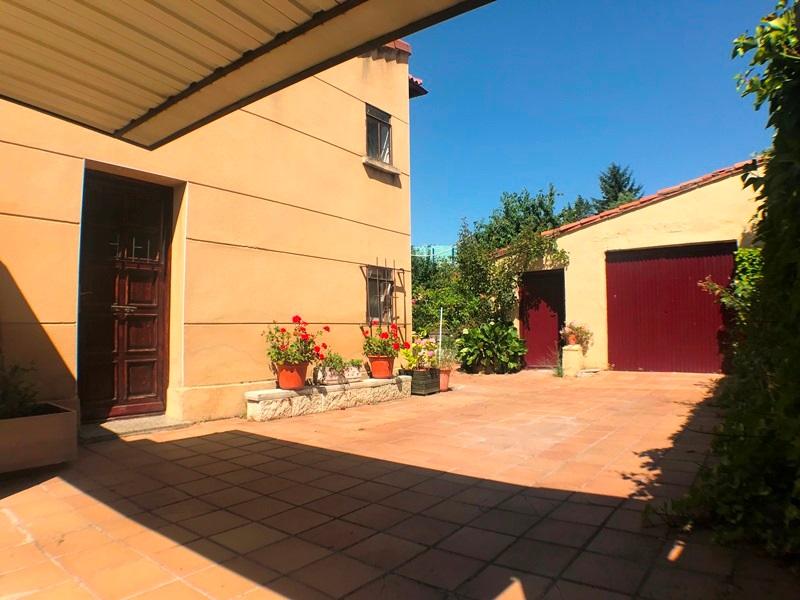 -eu-west-1.amazonaws.com/mobilia/Portals/inmoatrio/Images/5896/3272530
