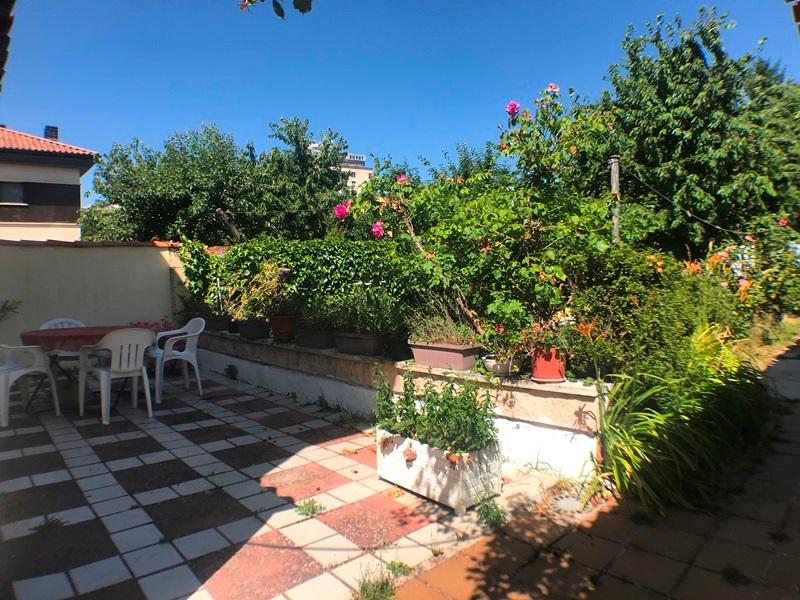 -eu-west-1.amazonaws.com/mobilia/Portals/inmoatrio/Images/5896/3272535