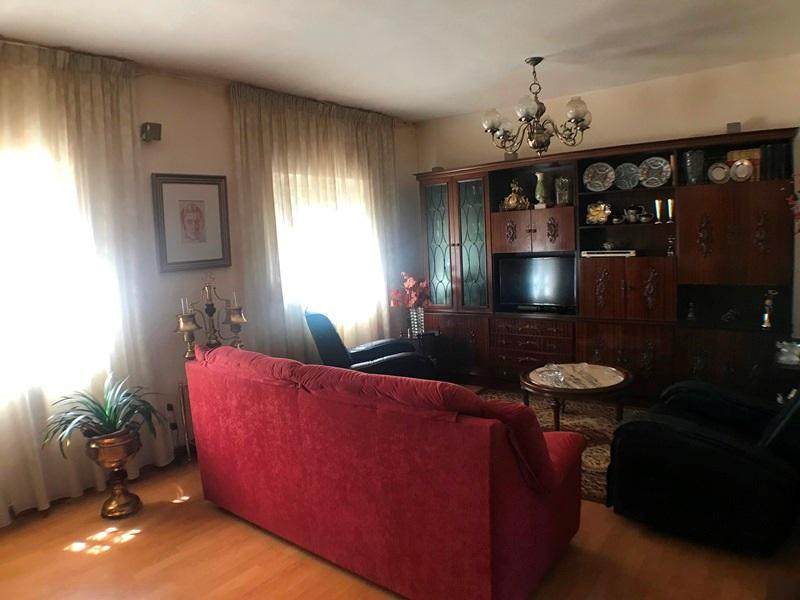 -eu-west-1.amazonaws.com/mobilia/Portals/inmoatrio/Images/5896/3272552