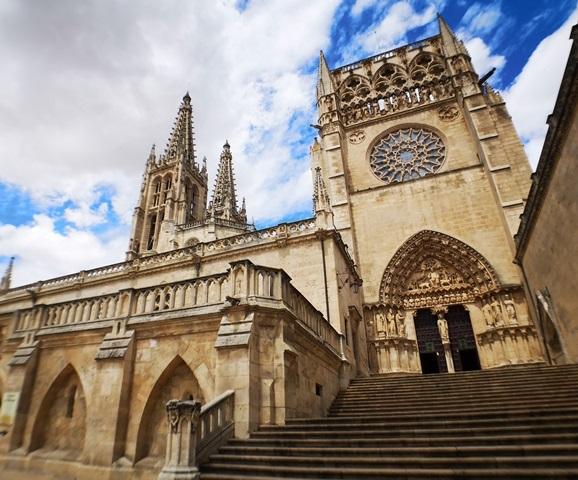 -eu-west-1.amazonaws.com/mobilia/Portals/inmoatrio/Images/5939/3193656