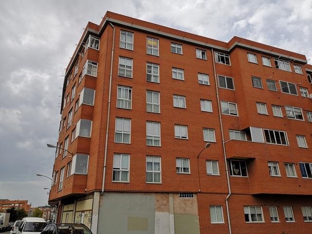 -eu-west-1.amazonaws.com/mobilia/Portals/inmoatrio/Images/5956/3233142
