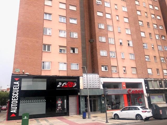 -eu-west-1.amazonaws.com/mobilia/Portals/inmoatrio/Images/5973/3262771