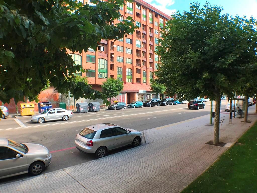 -eu-west-1.amazonaws.com/mobilia/Portals/inmoatrio/Images/6045/3352273