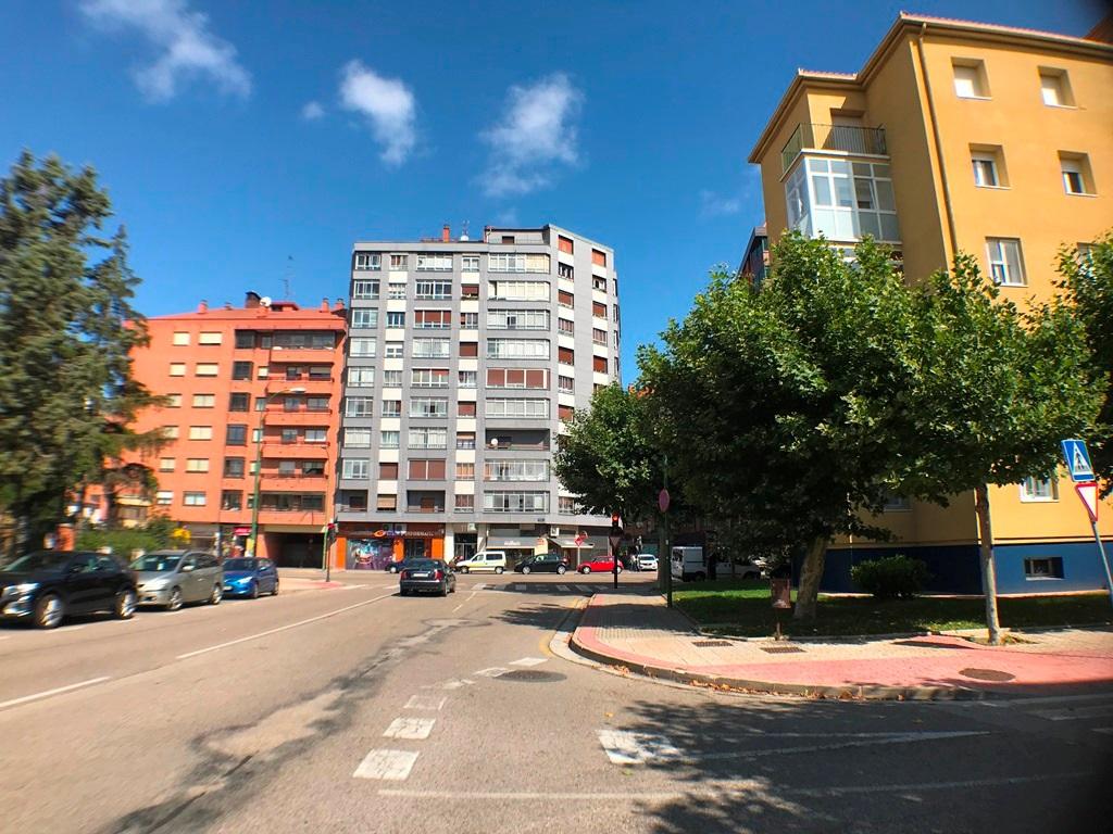 -eu-west-1.amazonaws.com/mobilia/Portals/inmoatrio/Images/6045/3352287