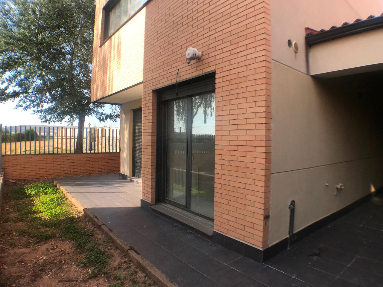 -eu-west-1.amazonaws.com/mobilia/Portals/inmoatrio/Images/6079/3376174