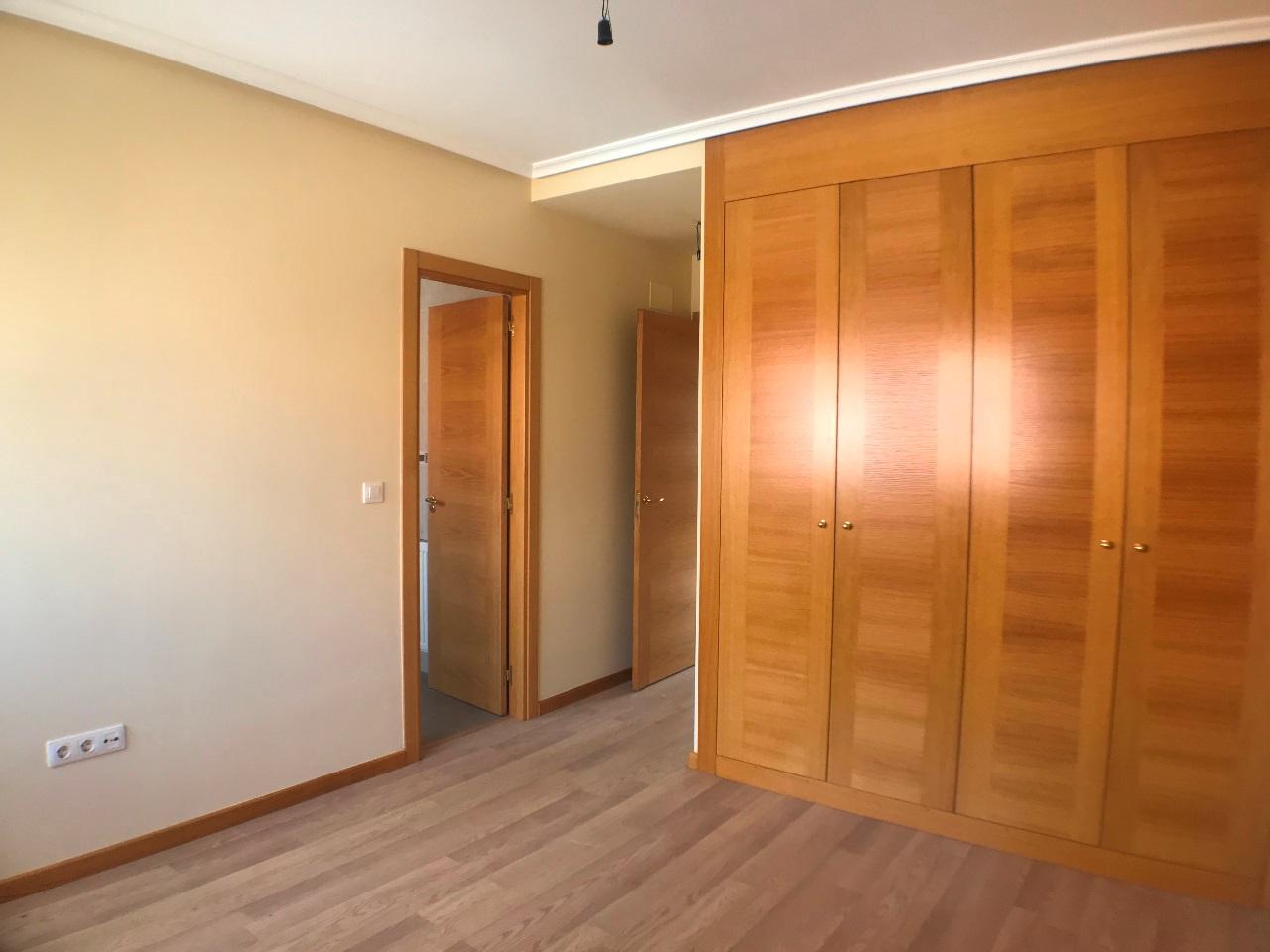 -eu-west-1.amazonaws.com/mobilia/Portals/inmoatrio/Images/6079/3376198
