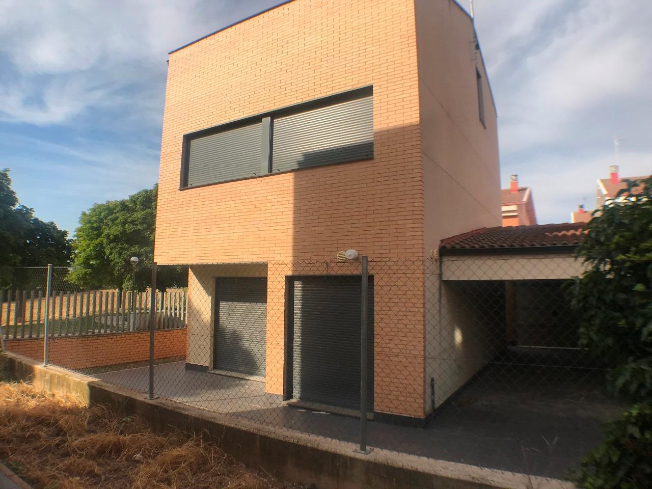 -eu-west-1.amazonaws.com/mobilia/Portals/inmoatrio/Images/6079/3376209