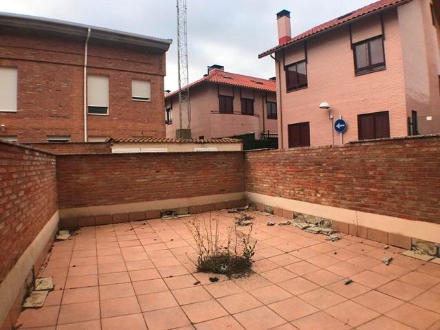-eu-west-1.amazonaws.com/mobilia/Portals/inmoatrio/Images/6083/3382324