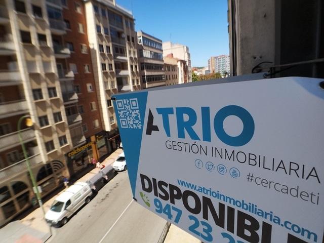 -eu-west-1.amazonaws.com/mobilia/Portals/inmoatrio/Images/6135/3455694