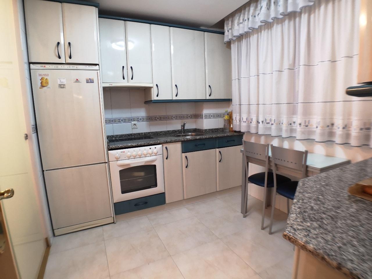 -eu-west-1.amazonaws.com/mobilia/Portals/inmoatrio/Images/6421/3892365