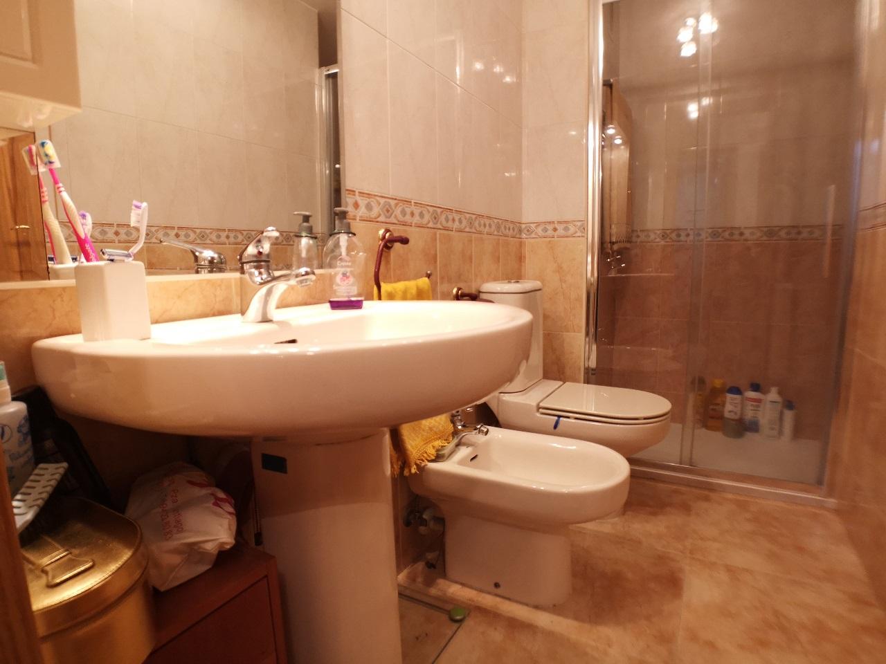 -eu-west-1.amazonaws.com/mobilia/Portals/inmoatrio/Images/6421/3892380