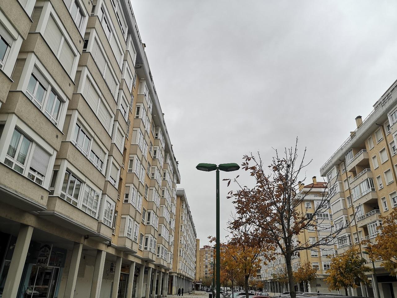 -eu-west-1.amazonaws.com/mobilia/Portals/inmoatrio/Images/6421/3892407