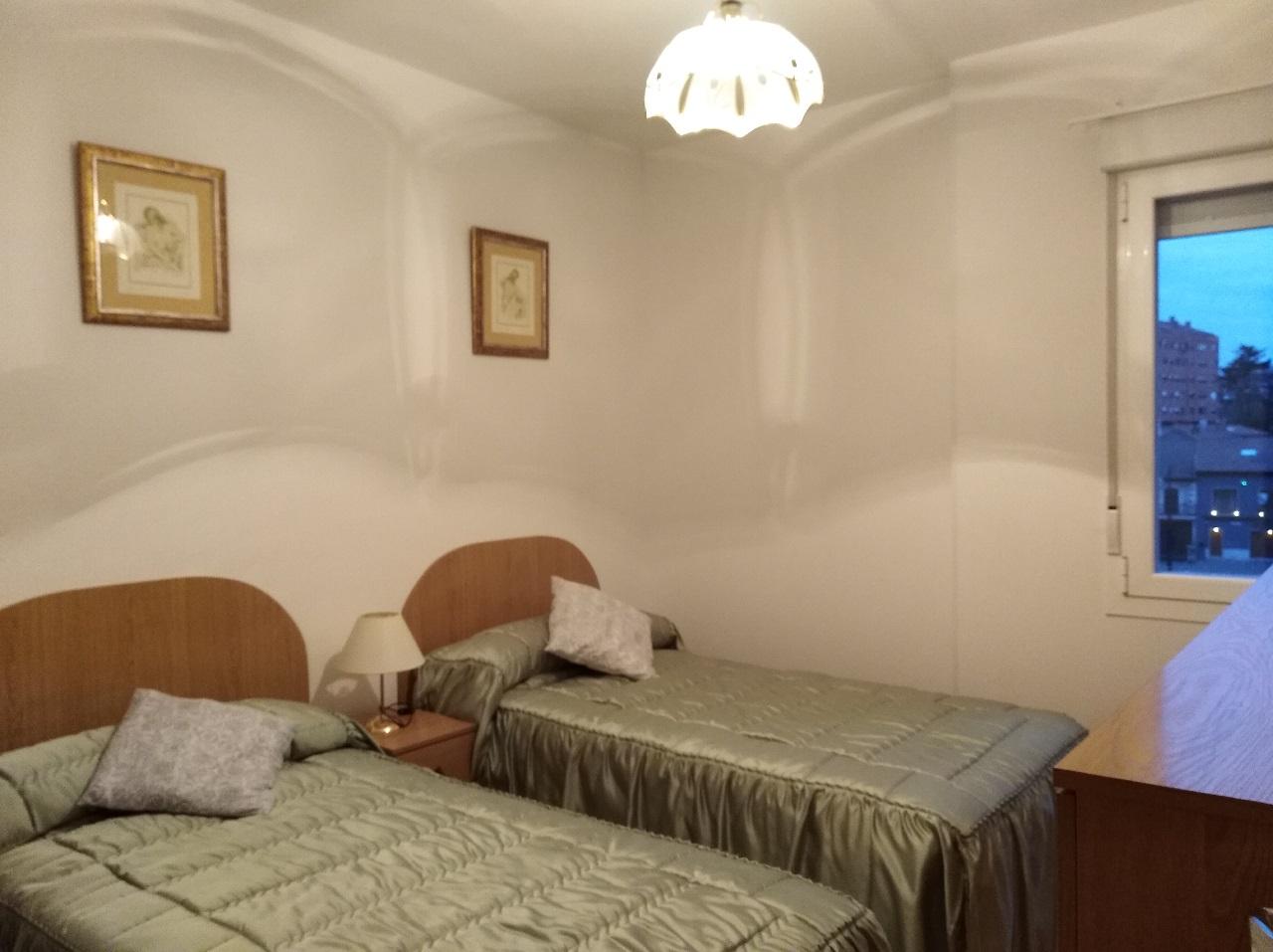 -eu-west-1.amazonaws.com/mobilia/Portals/inmoatrio/Images/6489/4029217