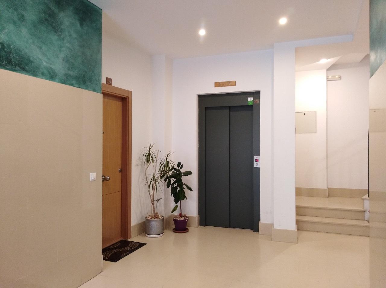 -eu-west-1.amazonaws.com/mobilia/Portals/inmoatrio/Images/6515/4033159