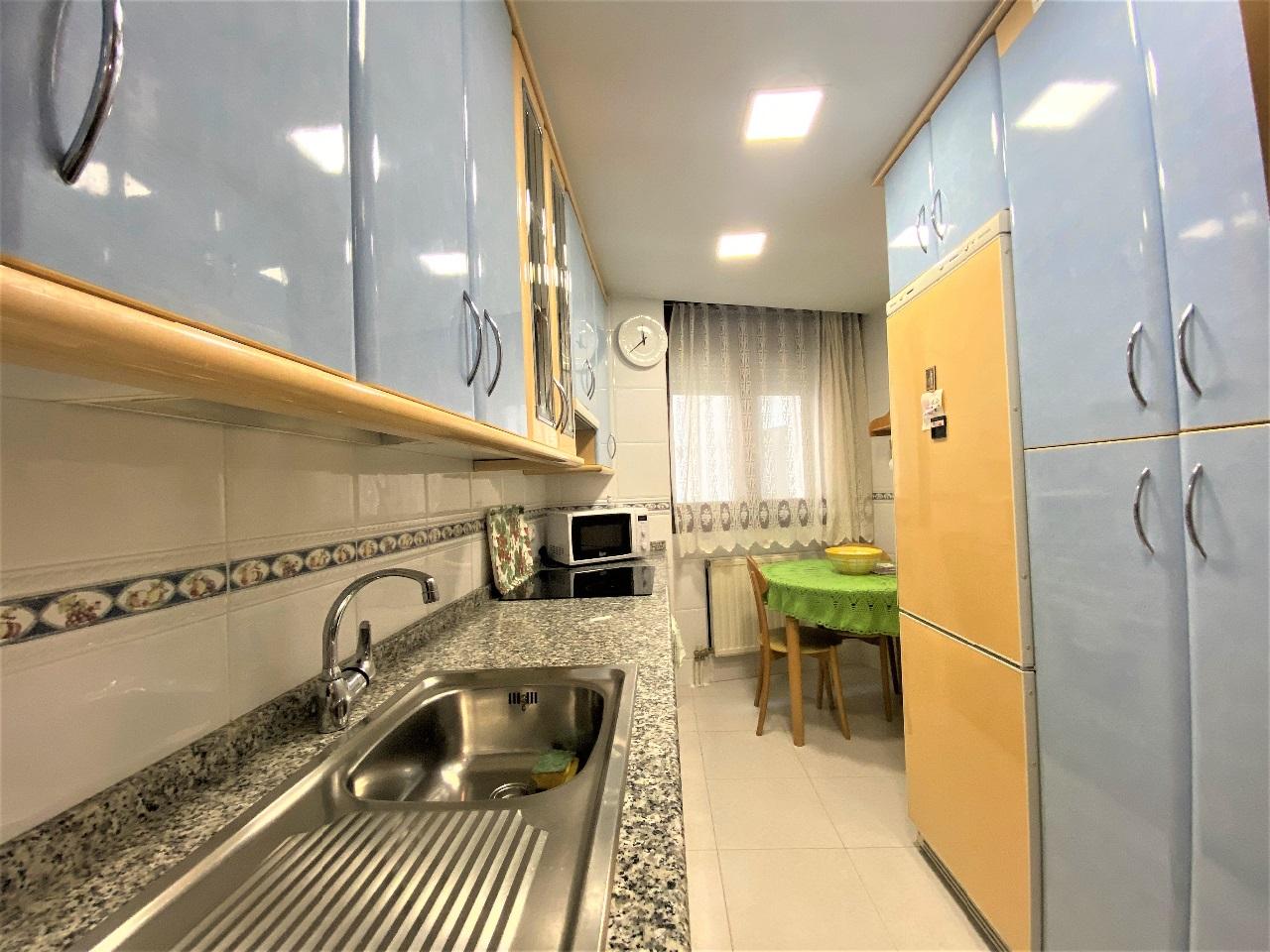-eu-west-1.amazonaws.com/mobilia/Portals/inmoatrio/Images/6583/4121221