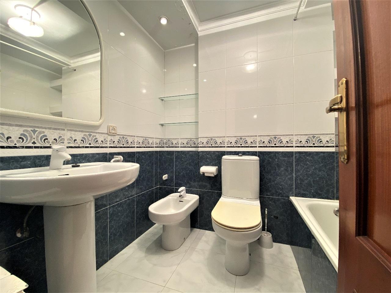-eu-west-1.amazonaws.com/mobilia/Portals/inmoatrio/Images/6601/4143168