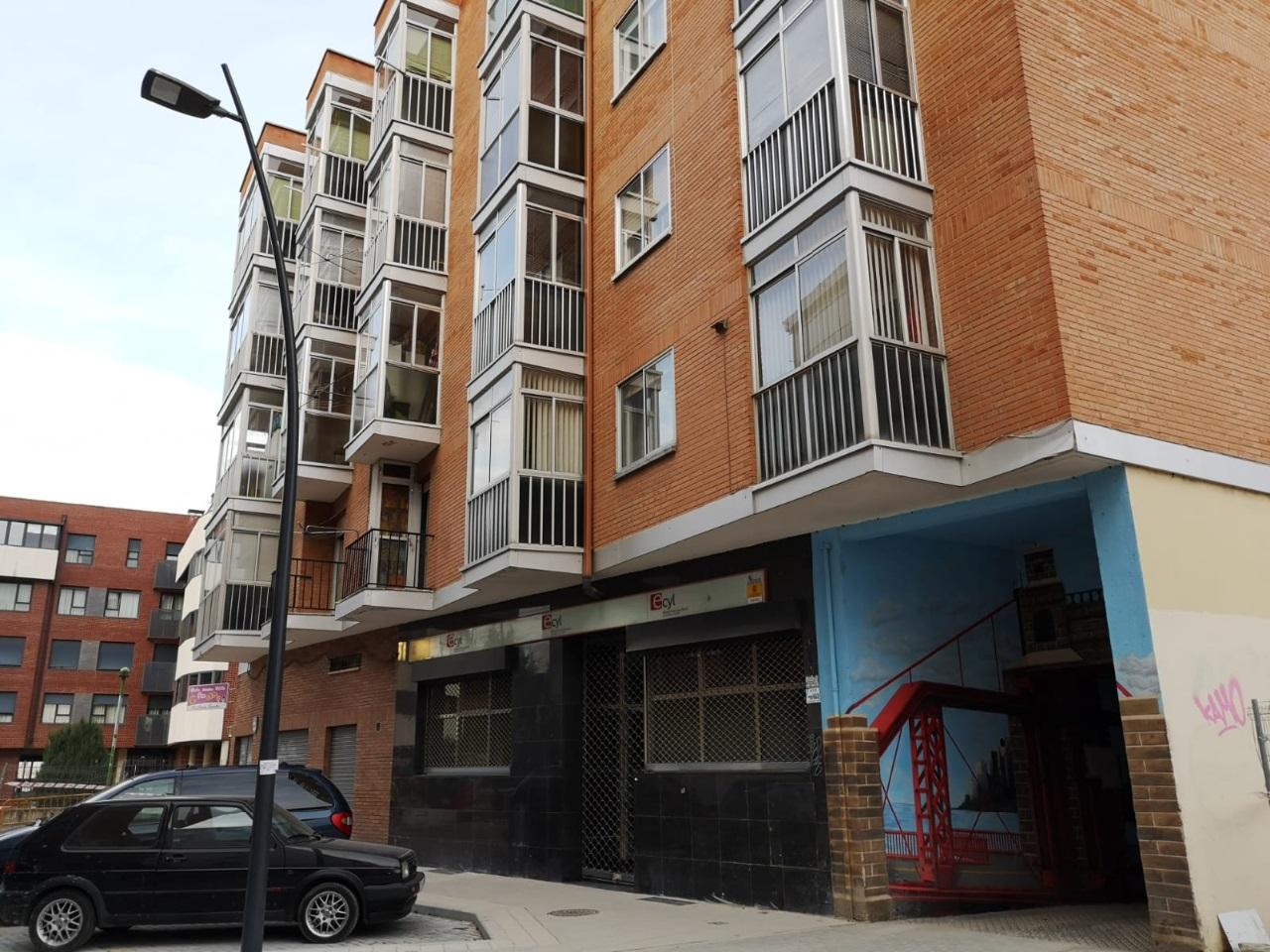 -eu-west-1.amazonaws.com/mobilia/Portals/inmoatrio/Images/6623/4161120