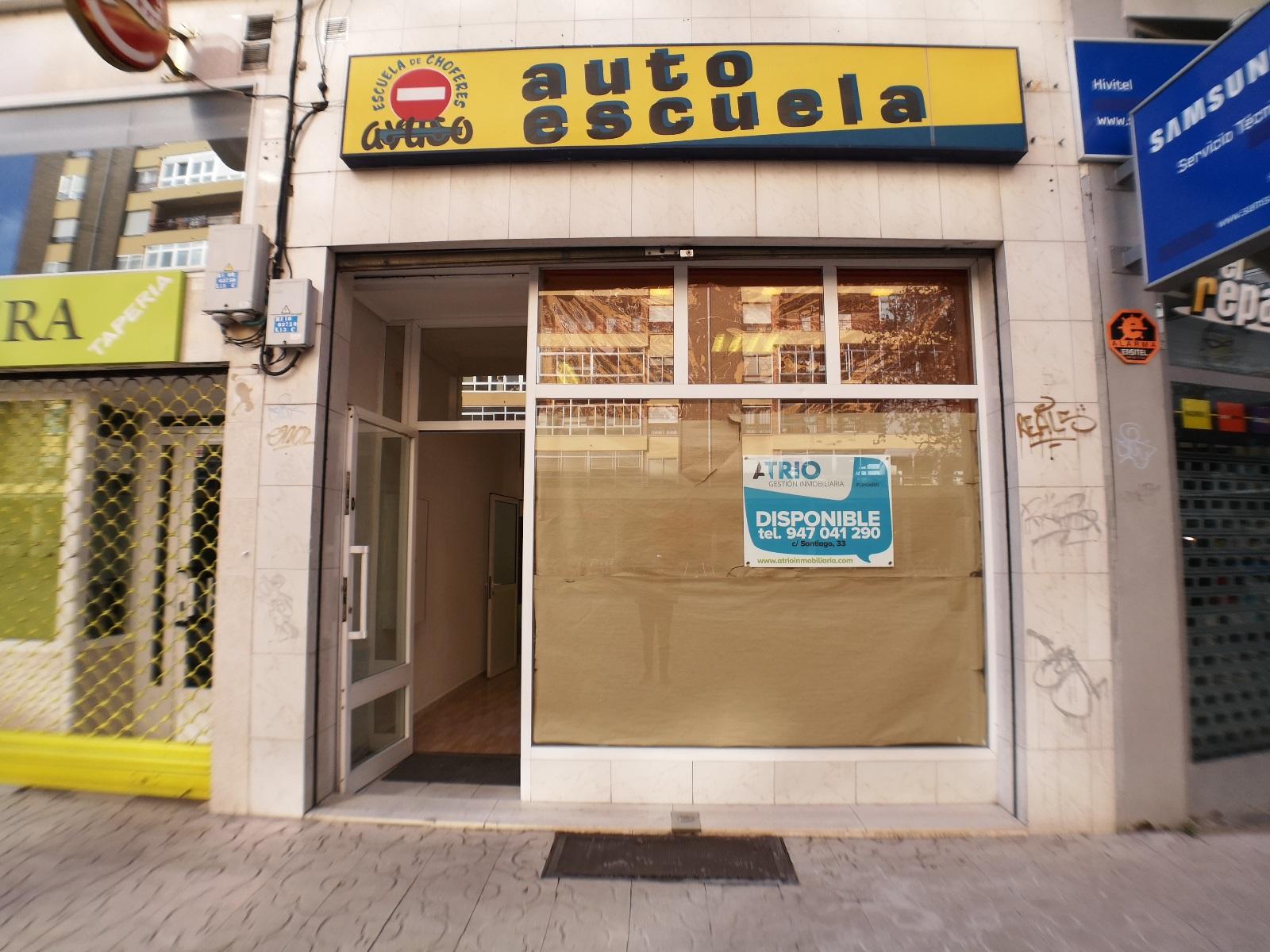 -eu-west-1.amazonaws.com/mobilia/Portals/inmoatrio/Images/6704/4311083