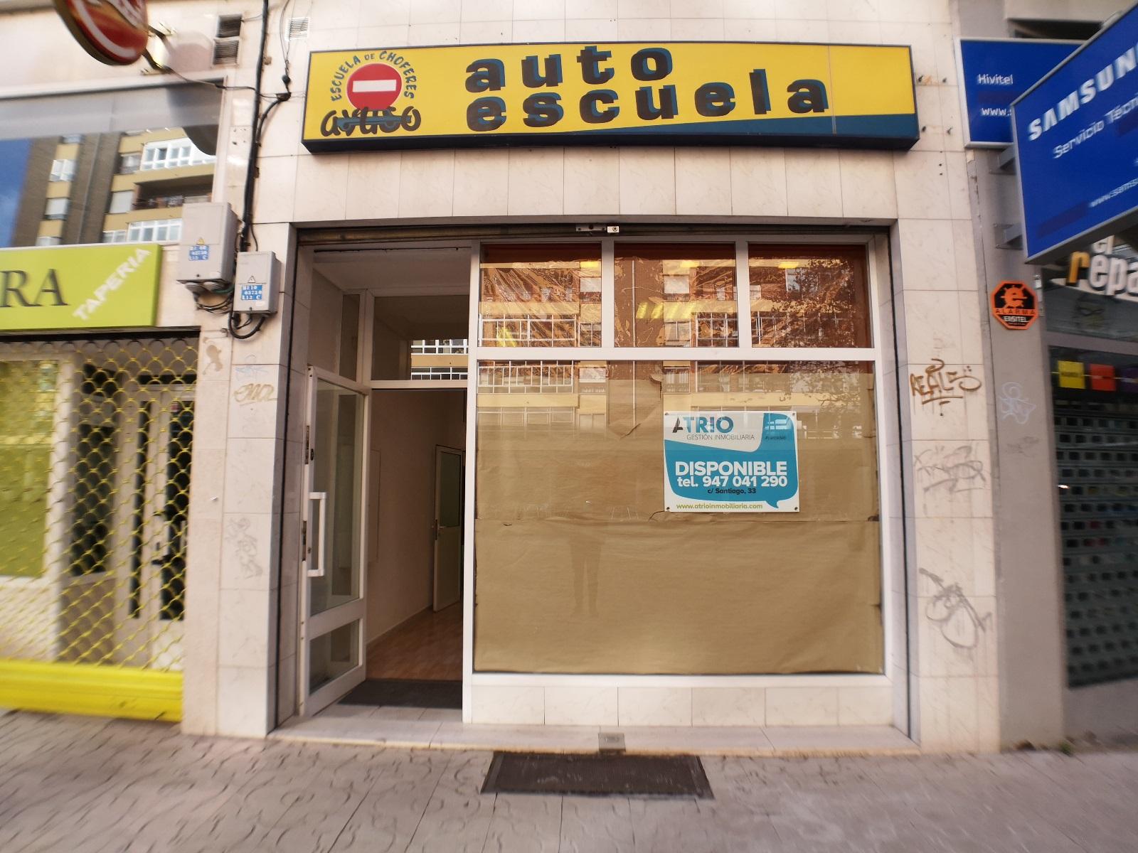 -eu-west-1.amazonaws.com/mobilia/Portals/inmoatrio/Images/6704/4311084