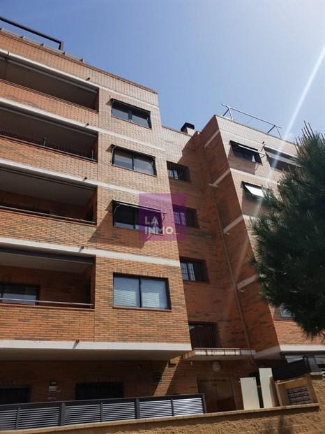 PISO DE 117M, finca del año 2005, cuarto real con ascensor, 3 dormitorios, 2 cuartos de baño