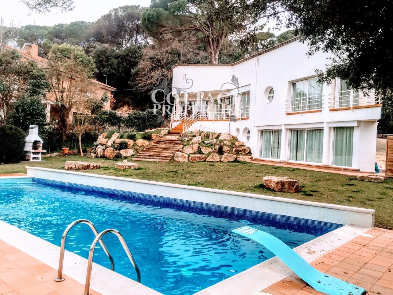 Ref:1127 Casas de lujo For Sale in Girona