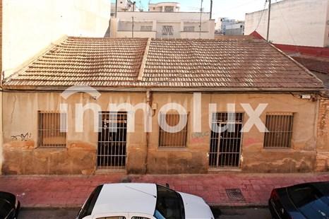 Casa en Venta en Calle Isla de Cuba