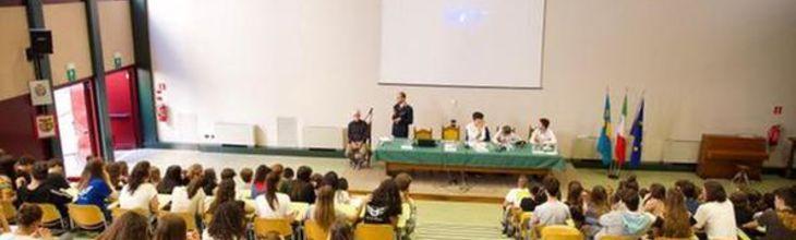 I danni dell'alcol e della droga: lezione e testimonianze a scuola